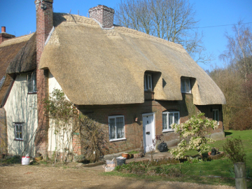 Thatched Cottage Dorset, rethatched by John Pickett